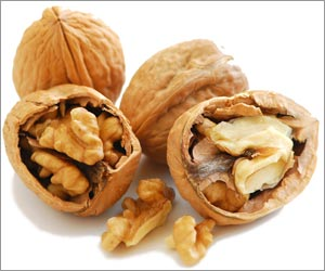 Walnuts Keep Diabetes, Heart Diseases Away