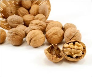 Walnuts Improve Mood in Young, Healthy Men