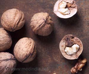 Intake of 60 gms of Nuts Daily Boosts Sexual Function