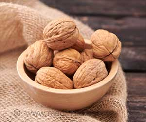 Walnuts may Reduce Risk of Alzheimer's Disease
