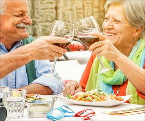 Heart Failure Patients: You Can Drink Alcohol Moderately