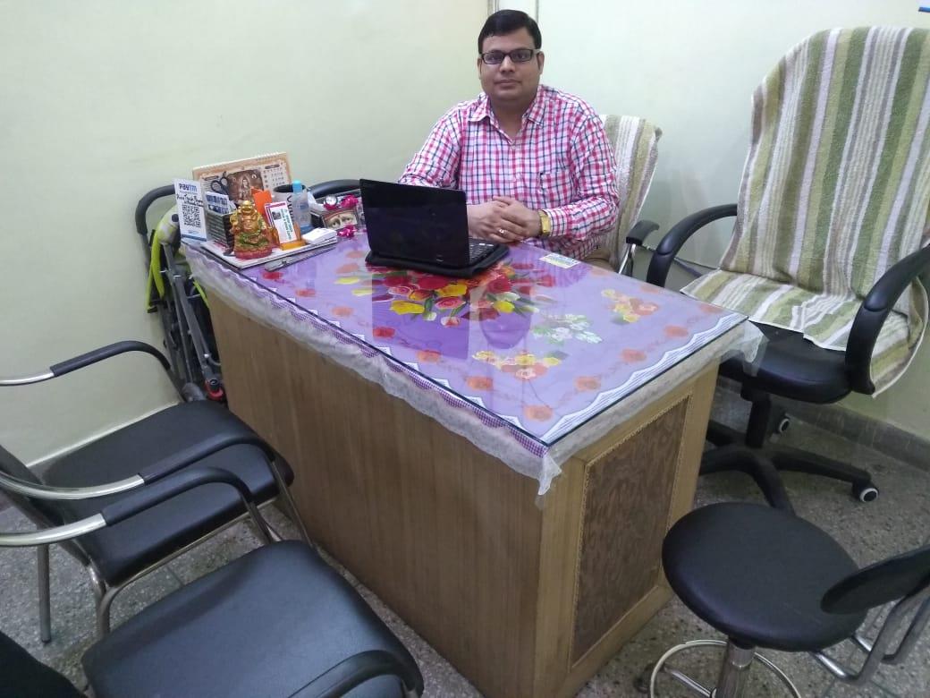 Dr. Puneet Chaubey