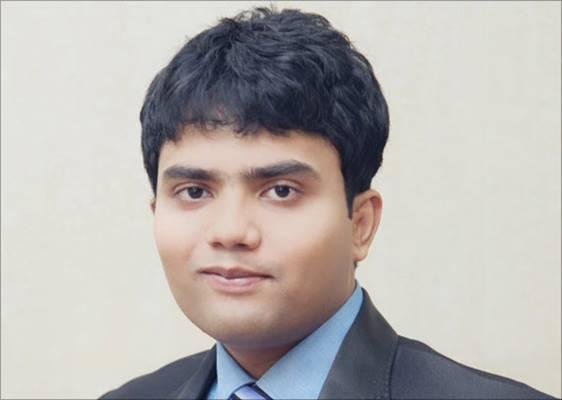Dr. Sriniwas Thakur