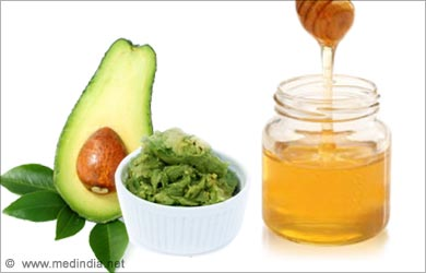 Dry Skin on the Face: Avocado and Honey