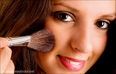 Daily Makeup Tip: Use a Brush to Apply Blush on your Cheekbones