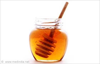 Face Freckles - Beauty Tip: Honey
