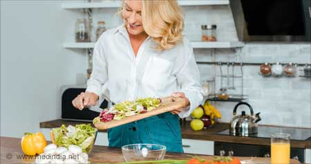Eat More Fruits and Vegetables to Fend Off Troublesome Menopause Symptoms