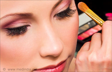 Home Remedies to Improve Eyesight: Eye Make-up