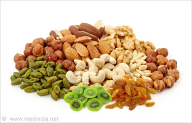 Home Remedies to Improve Low Immunity: Nuts and Dried Fruits