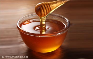 Home Remedies for Sore Throat: Honey - Natural Antibiotic