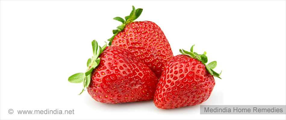 Tips to Maintain White Teeth: Strawberries