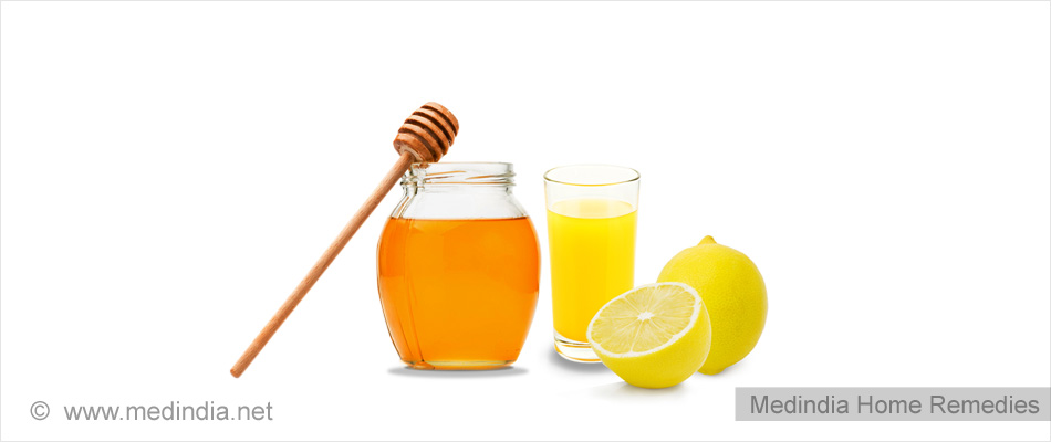 Home Remedies For Weight Loss: Honey and Lemon Juice