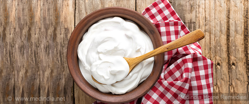 Home Remedies To Curb Urinary Tract Infection: Yogurt