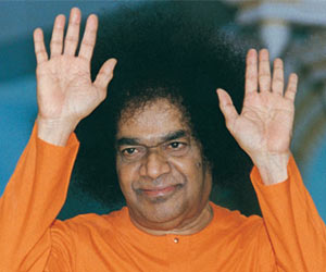 Sathya Sai Baba Dies of Multi-Organ Failure – No Miracle Happened as the End Came in ICU