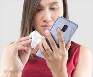 कोरोनावायरस से दूर रहने के लिए अपना हाथ धोएं और फोन को साफ करियें